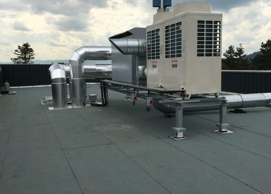 installation d'un système de climatisation DRV avec VMC double flux haut rendement.