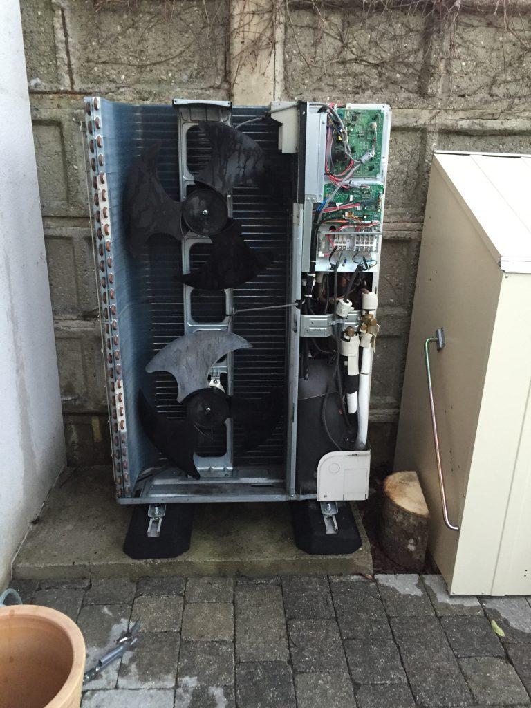 Entretien des systèmes de climatisation groupe extérieur.